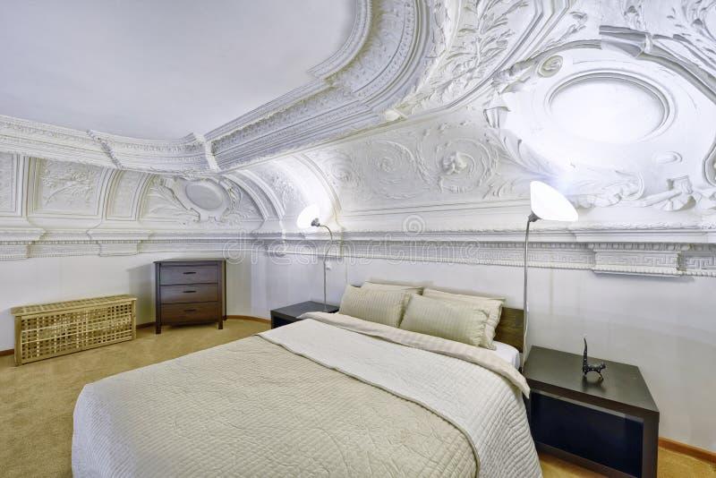 Спальни дизайна интерьера стоковая фотография