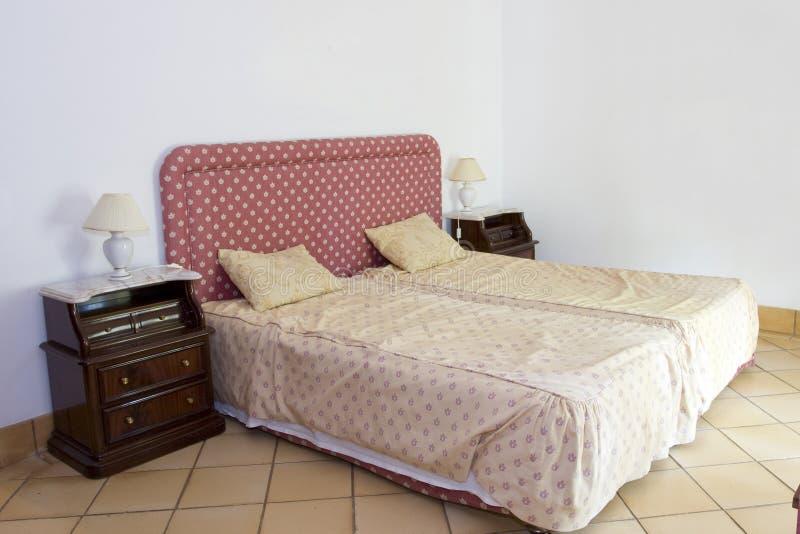 спальня классическая стоковое фото