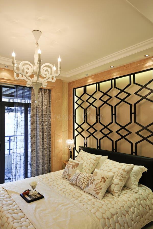 Download спальня одно стоковое фото. изображение насчитывающей канделябры - 17612554
