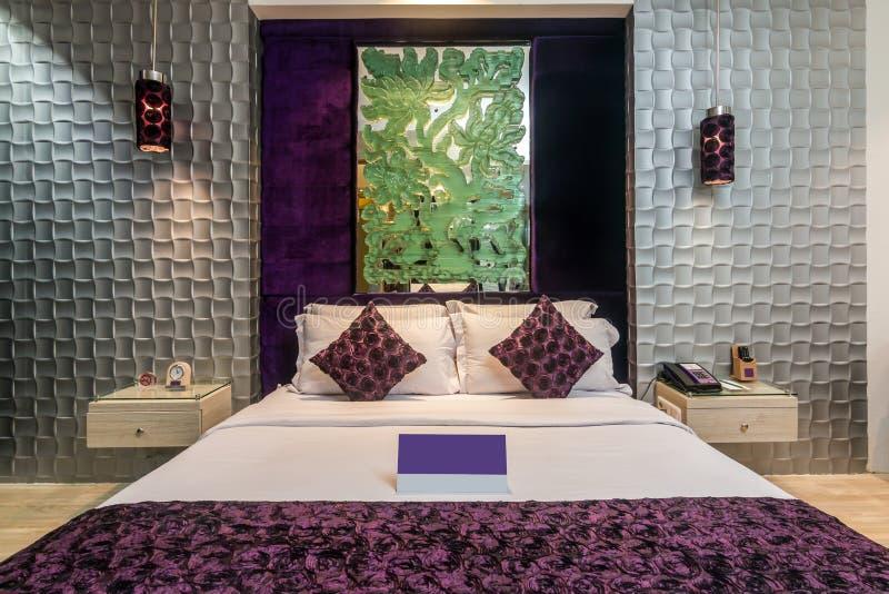 Спальня роскошной гостиницы стоковые фотографии rf