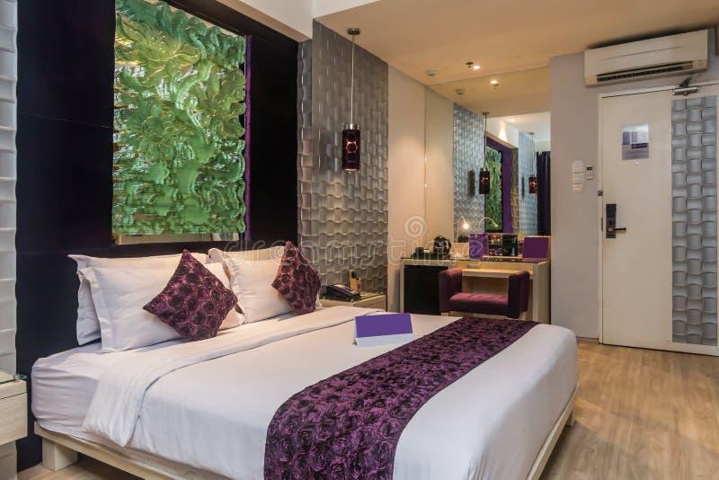 Спальня роскошной гостиницы стоковая фотография