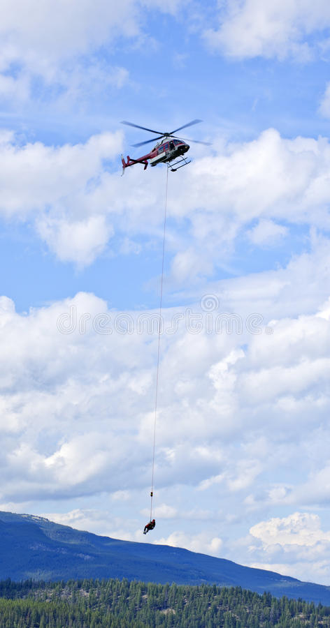 спасение гор вертолета стоковая фотография rf