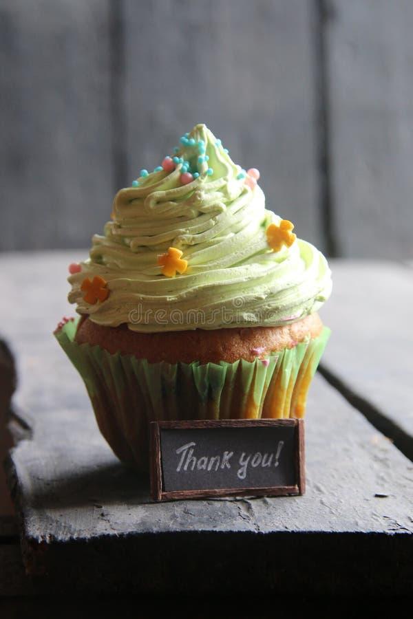Спасибо рукописный и торт стоковые фотографии rf