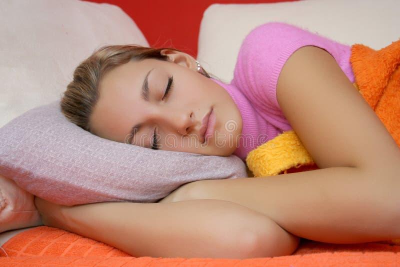 спать девушки предназначенный для подростков стоковое фото