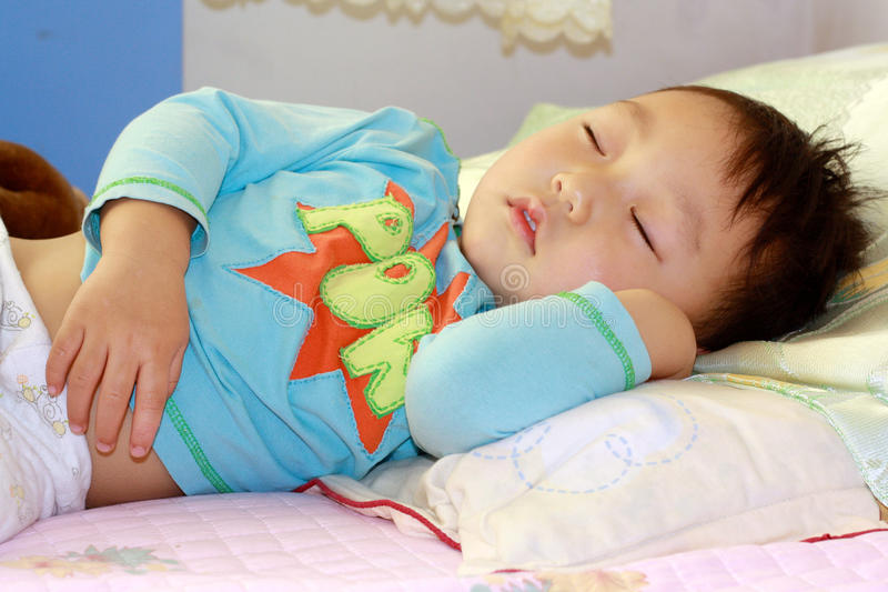 спать ребенка стоковое изображение rf