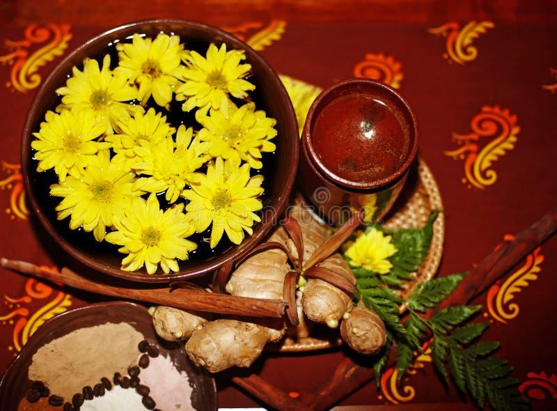 спа жизни цветка предпосылки коричневая все еще стоковые изображения