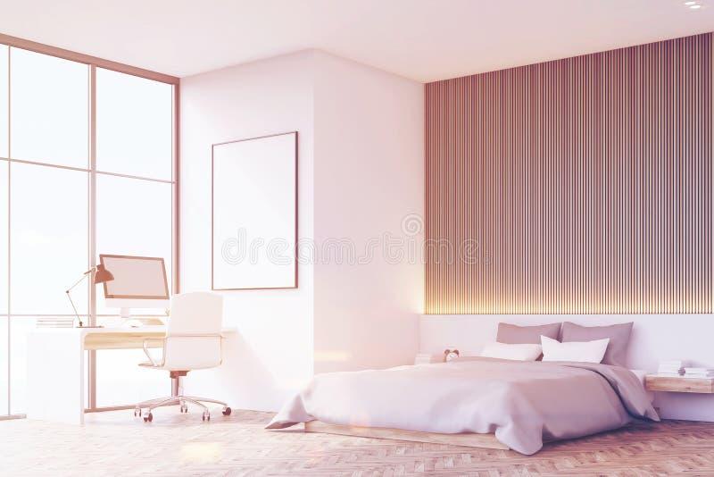 Спальня с деревянным полом, таблицей, тонизированным взглядом со стороны, стоковая фотография rf