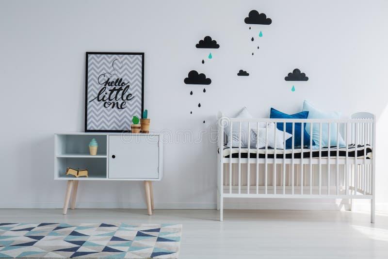 Спальня ` s мальчика стоковые изображения