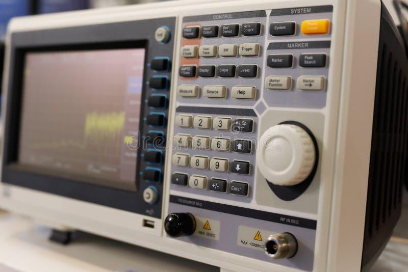 Спектральный анализатор цифров стоковые изображения rf