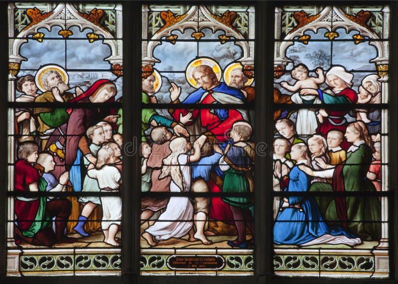 специализированная часть окна jesus paris детей стоковые изображения