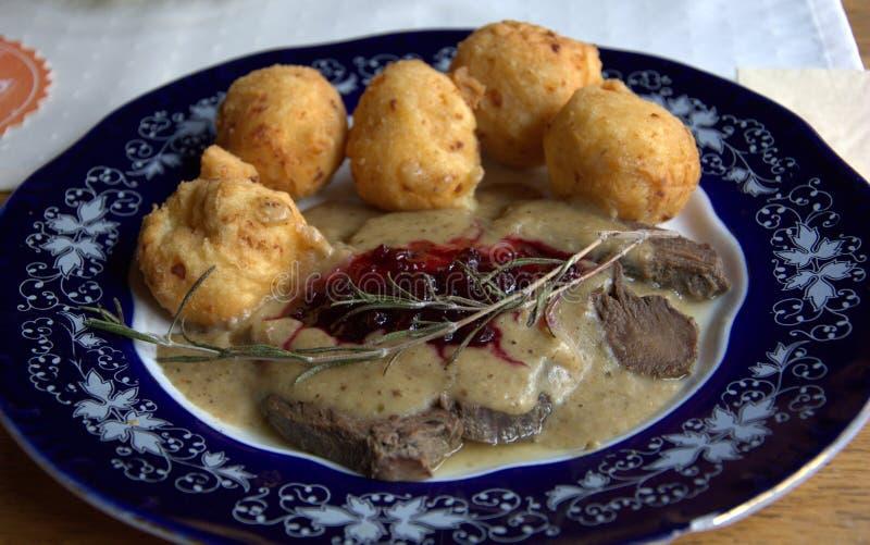 Специальная венгерская еда на блюде стоковые фото