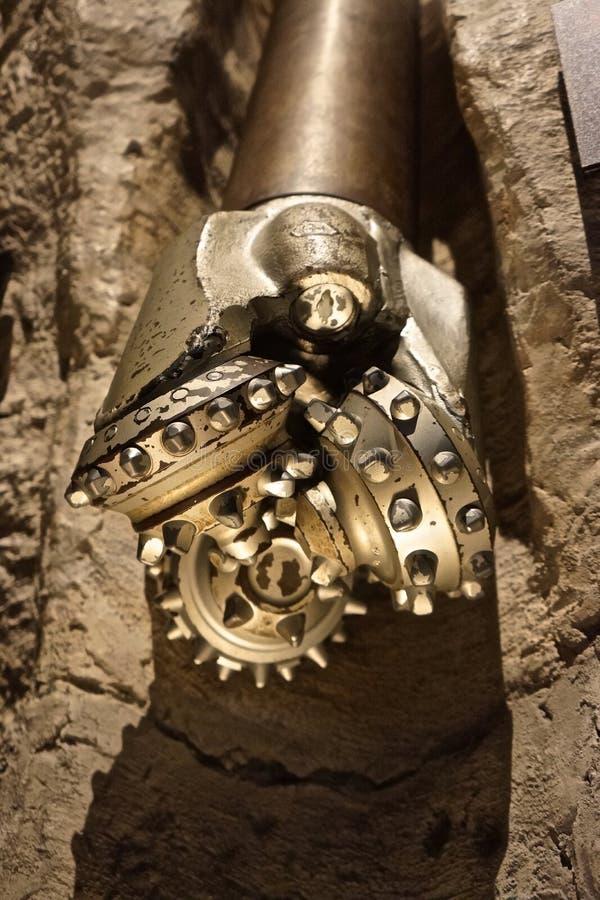 Специализированный буровой наконечник три-конуса для исследования нефти и газ стоковая фотография rf