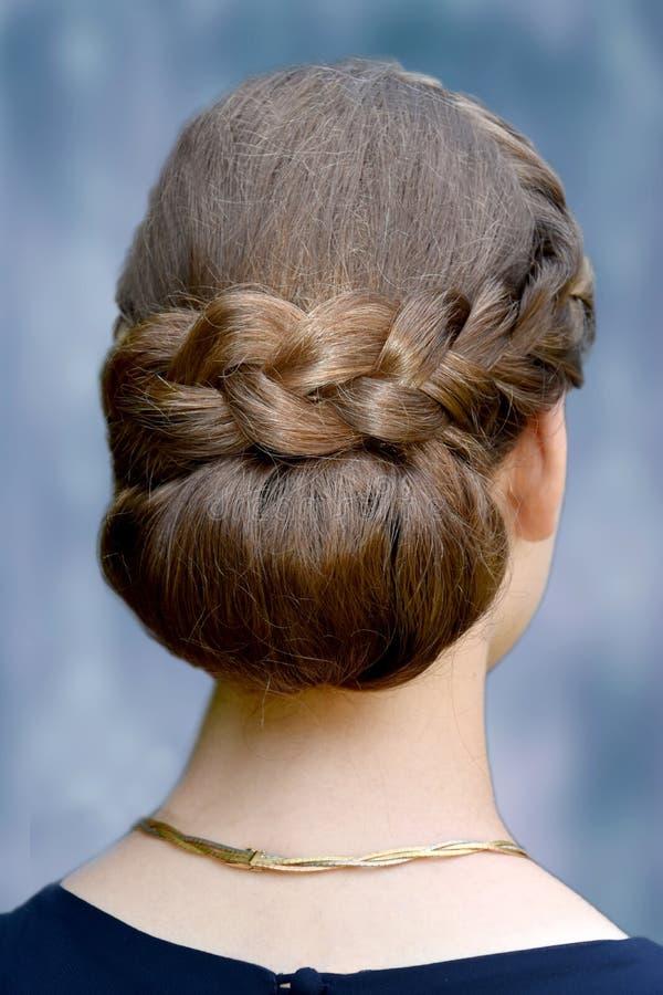 Специальный стиль причёсок, заплетенные волосы стоковые фотографии rf