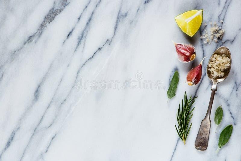 специи естественного отбора ингридиентов трав еды элементов кухни добавок ароматичные стоковое фото