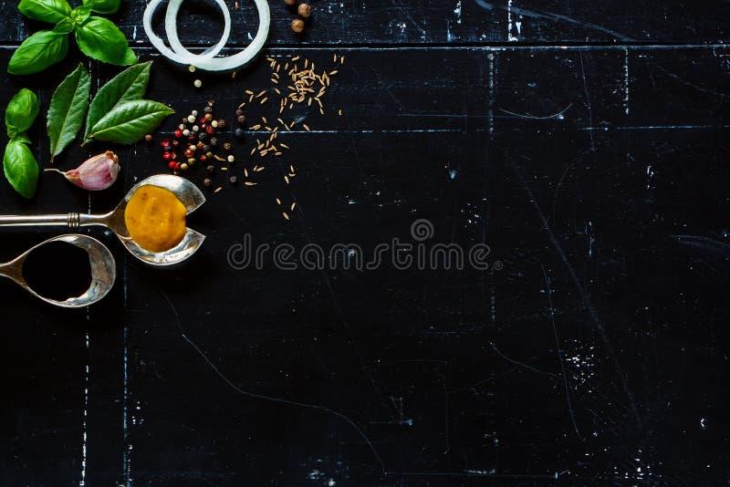 Специи и травы стоковые фотографии rf