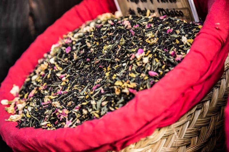 Download Специи, семена и чай продали в традиционном рынке в Гранаде, S Стоковое Фото - изображение насчитывающей сух, marketplace: 40583146