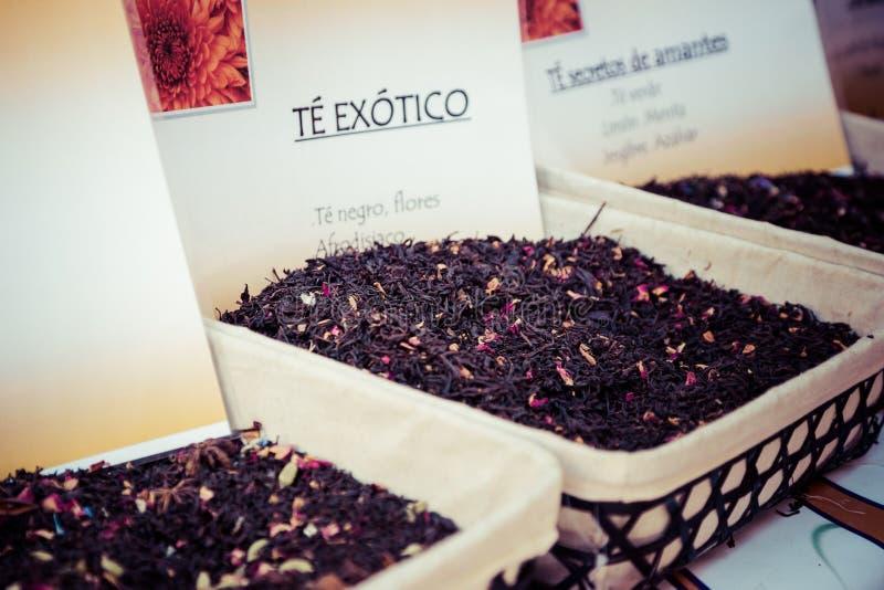 Download Специи, семена и чай продали в традиционном рынке в Гранаде, S Стоковое Изображение - изображение насчитывающей ashurbanipal, желание: 40585419