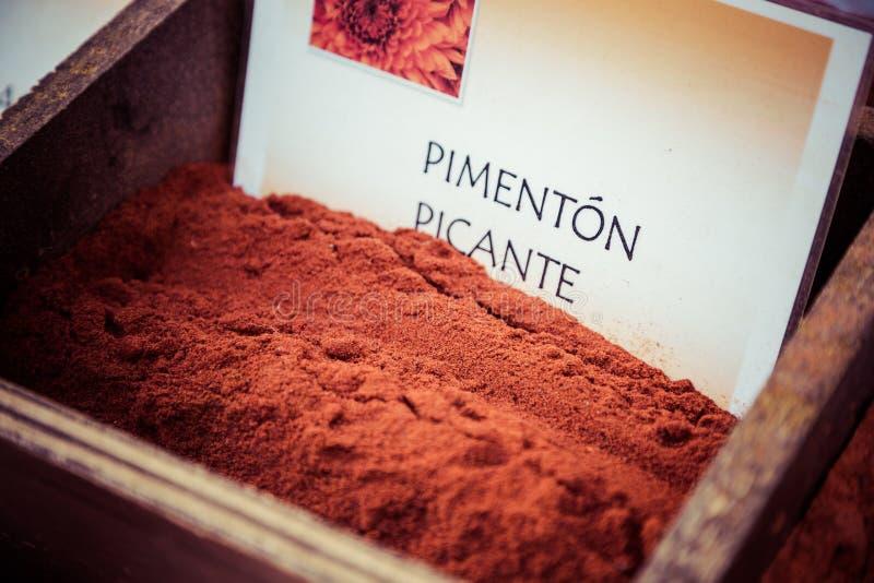 Download Специи, семена и чай продали в традиционном рынке в Гранаде, S Стоковое Изображение - изображение насчитывающей еда, коллаж: 40585591