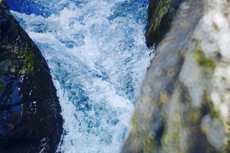 Спешя вода стоковые изображения rf
