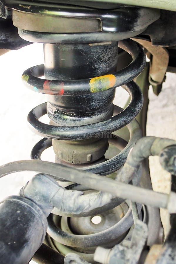 Спиральная пружина высокого автомобиля пробегов роскошного задняя стоковая фотография rf