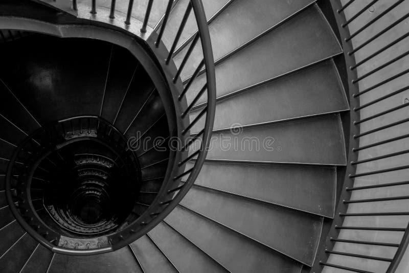 Спиральные лестницы в интерьере музея Zeitz Mocaa современного искусства А стоковые изображения
