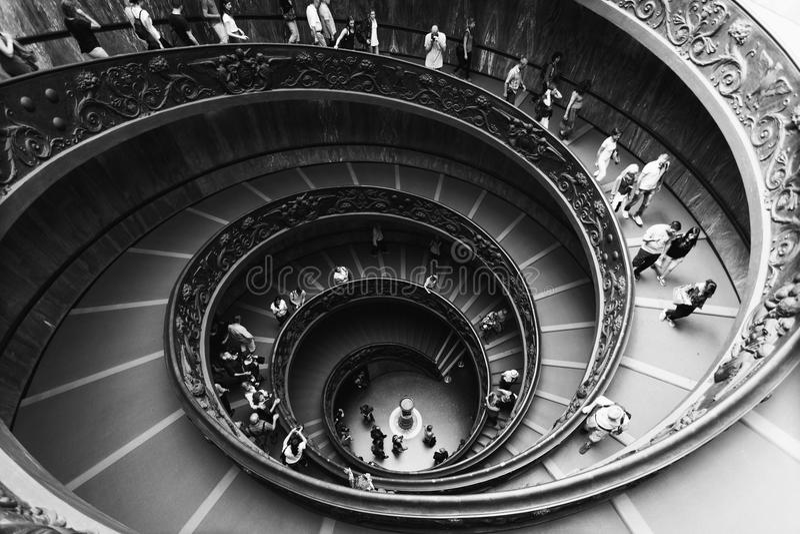 Спиральные лестницы музеев Ватикана в Ватикане стоковая фотография rf