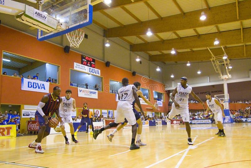 Download Спичка баскетбола Барселона против Joventut Редакционное Изображение - изображение насчитывающей европейско, человек: 33731090