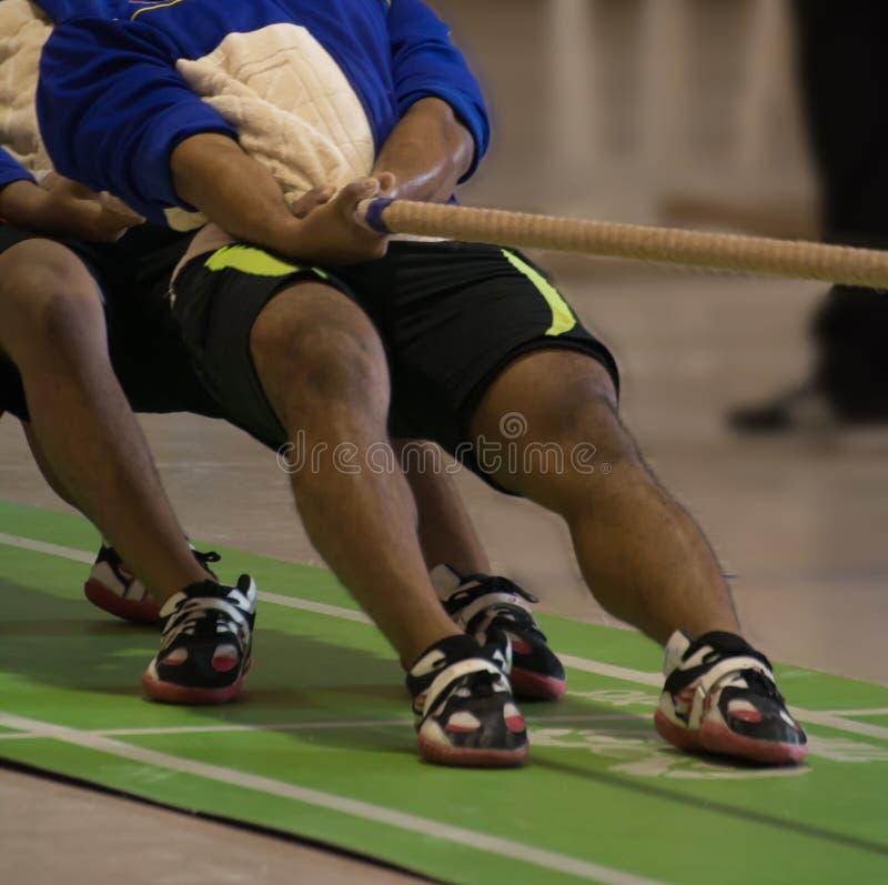 Спичка гужа сражения командного игрока для игры тяги стоковая фотография rf