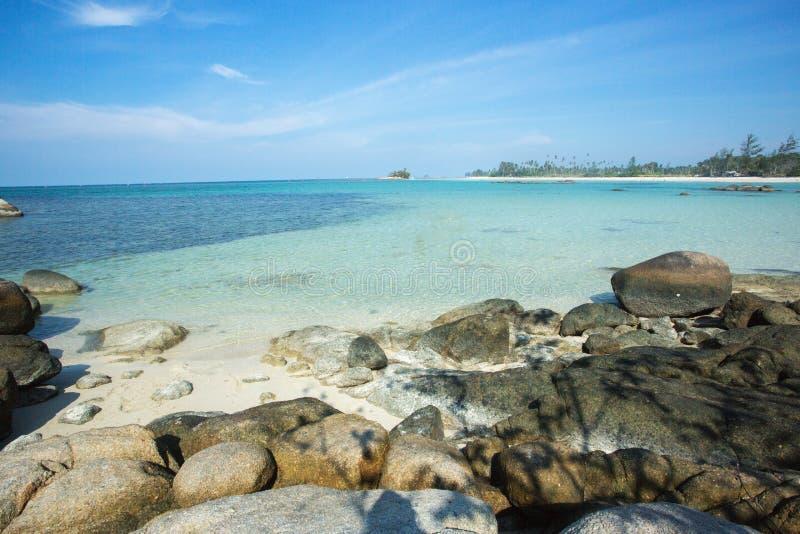 Спокойная вода в пляже, остров Bintan, Индонезия стоковое изображение rf