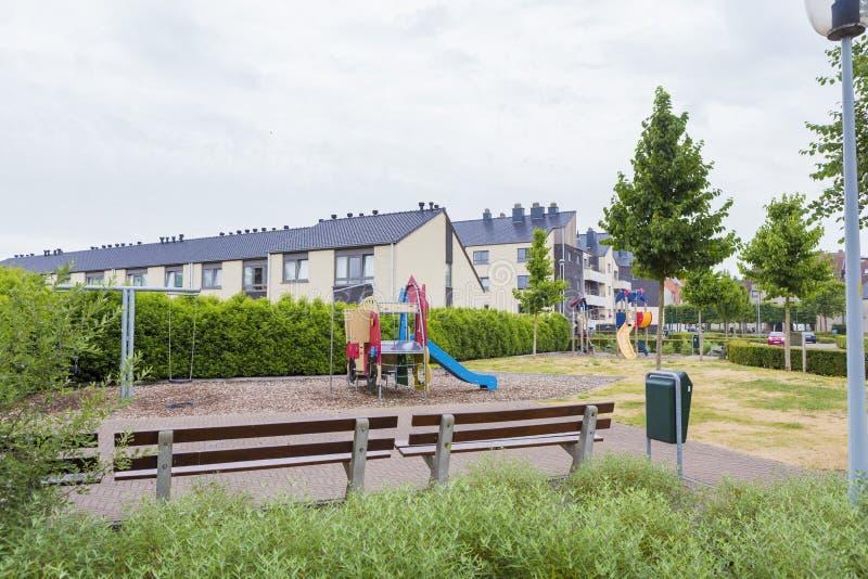 Спортивная площадка детей на жилом квартале стоковое фото rf