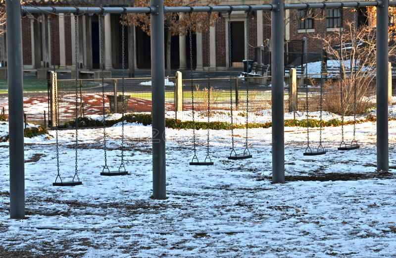 Спортивная площадка в Central Park, Манхаттане, NYC в зиме стоковая фотография