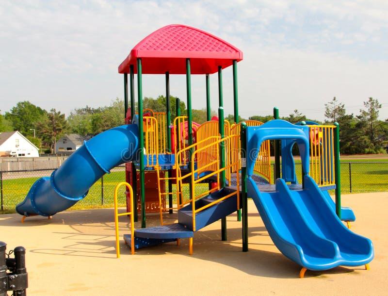 Спортивная площадка красочных, уникально и красивых детей стоковое изображение rf