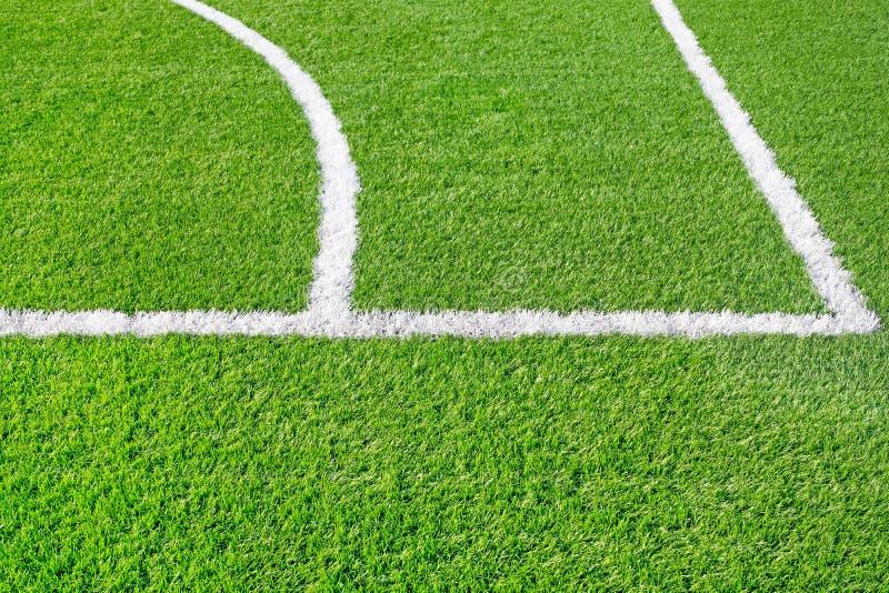 Спортивная площадка с белой линией стоковое фото