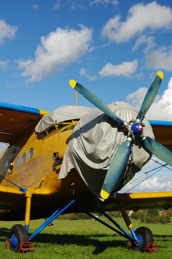 Спортивные воздушные судн самолет-биплана стоковое изображение rf