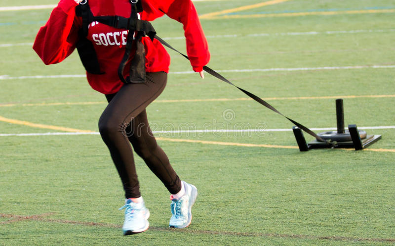 Спортсменка вытягивая скелетон стоковая фотография