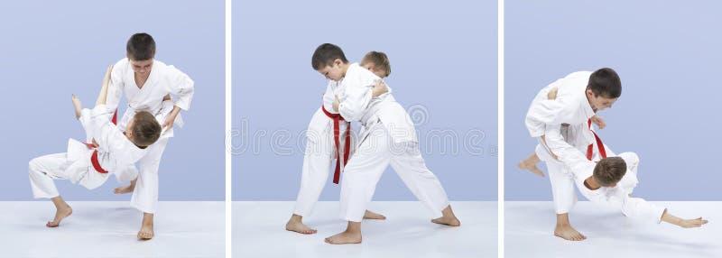 Спортсмены хода захвата и дзюдо делают в коллаже judogi стоковые изображения