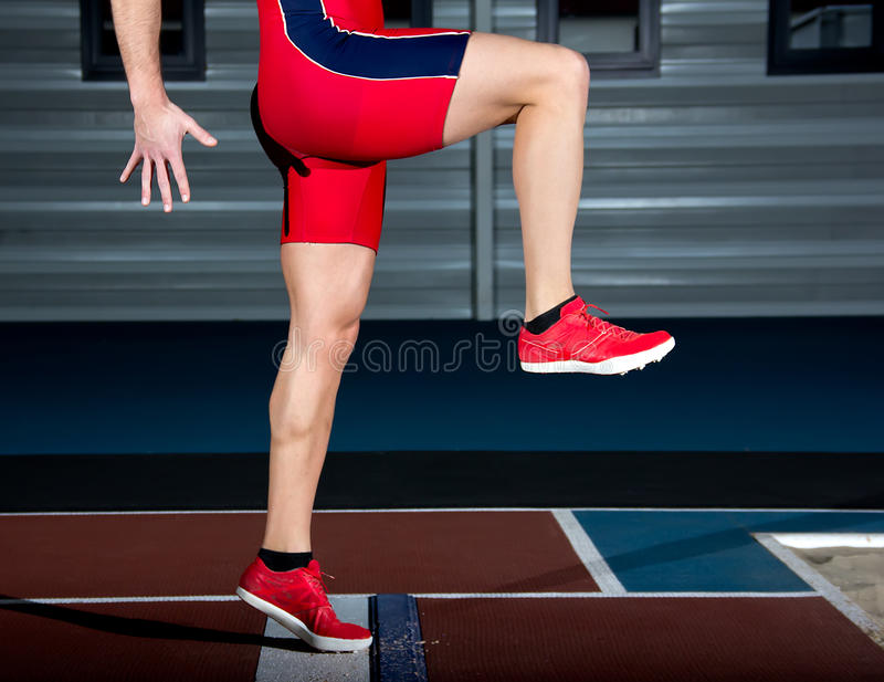 Спортсмен большого скачка стоковая фотография rf