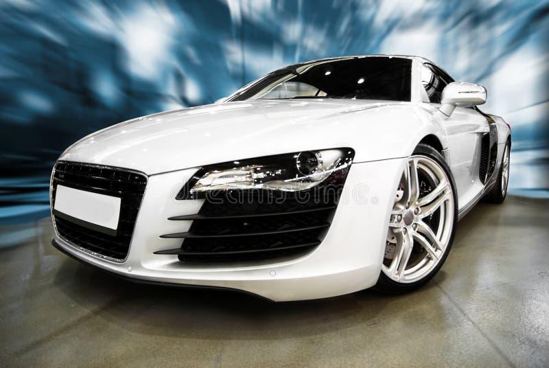 спорты автомобиля самомоднейшие белые стоковые изображения