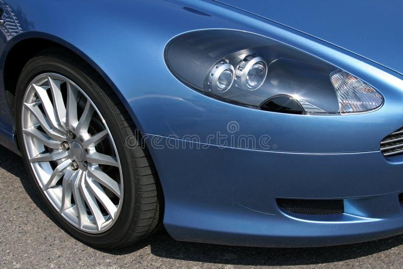 спорты передней фары автомобиля самомоднейшие стоковые изображения rf