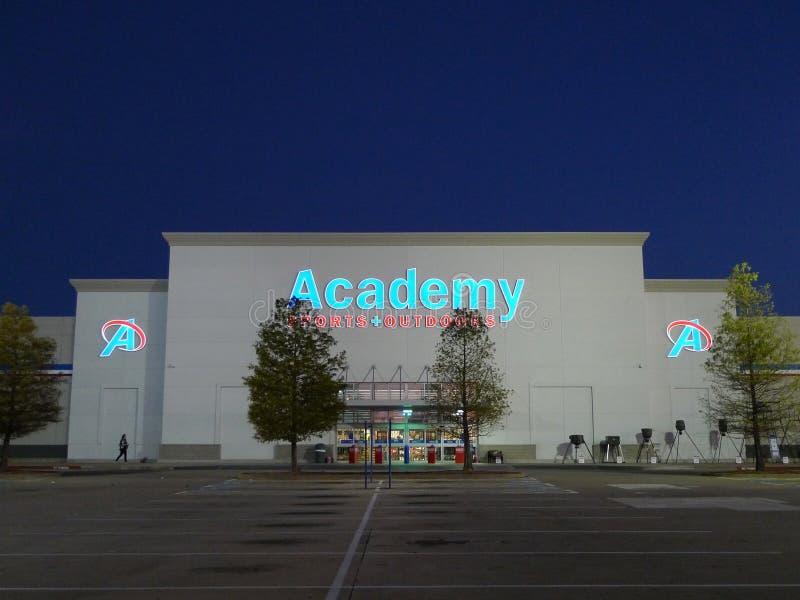 Спорт и Outdoors магазин розничной торговли академии стоковые изображения rf