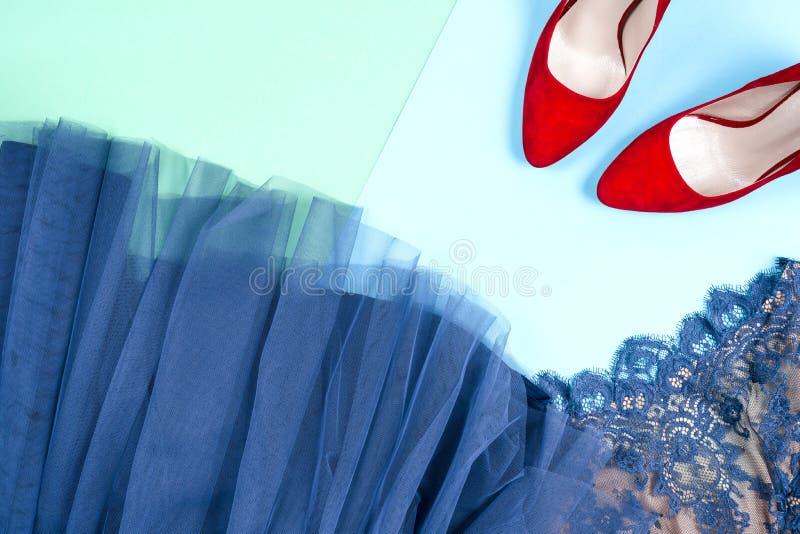 Способ Комплект моды аксессуаров одежд Женские стильные gumshoes стоковая фотография rf