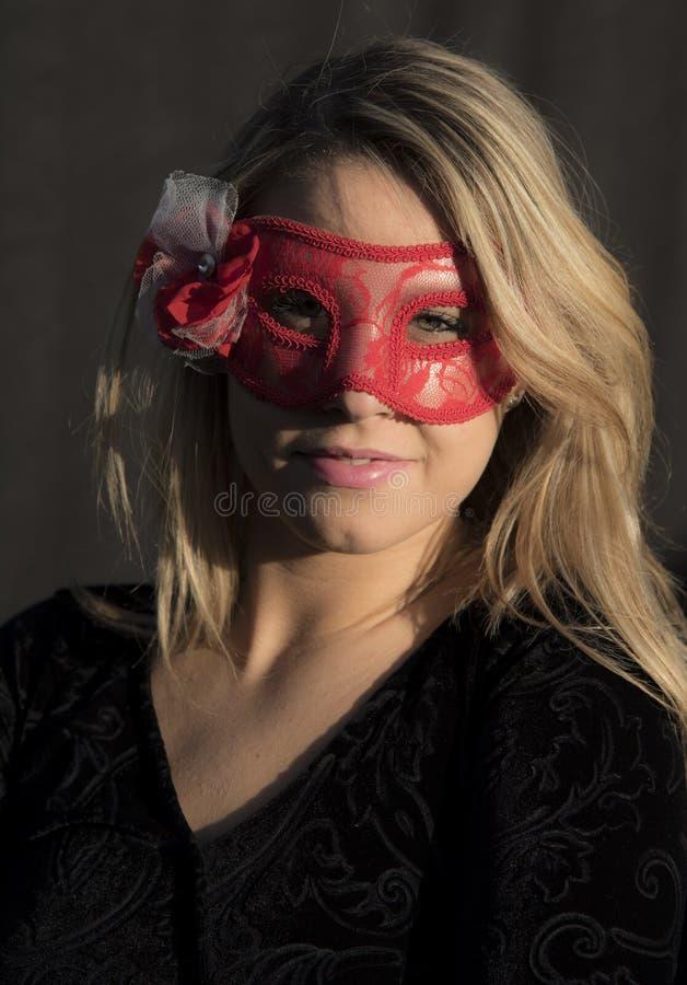 Спрятанная девушка стоковое изображение rf