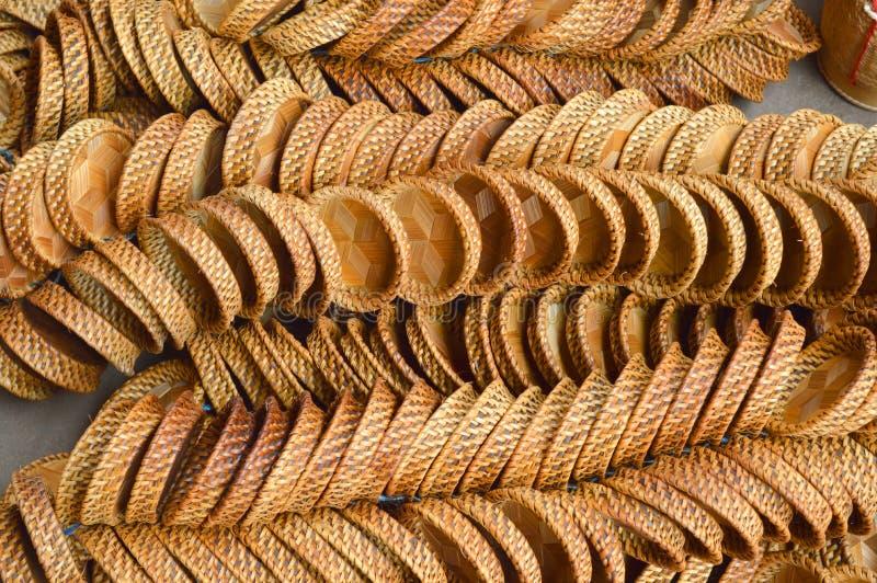 Сплетенный бамбуковый поддонник стоковые фото