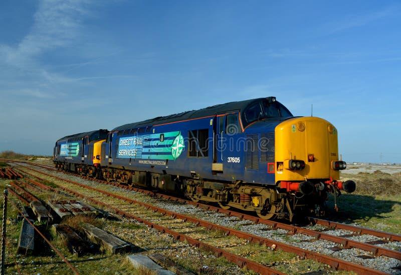 Сразу поезд железнодорожных услуг. Ядерная промышленность стоковые фотографии rf