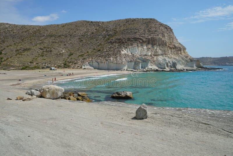 Средиземное море Испания скалы пляжа и песчаника стоковая фотография rf