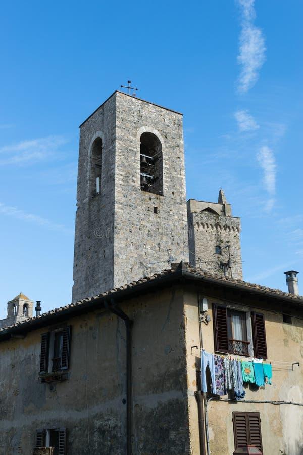 Средневековая башня San Gimignano в Тоскане, Италии стоковые фото