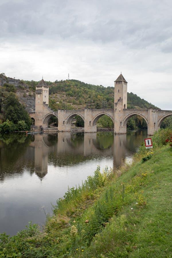 Средневековое Pont Valentre над серией реки, Cahors, серия, стоковые фото