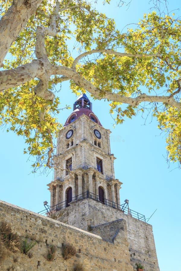 Средневековое roloi башни с часами в старом городке Родосе, Dodecanese стоковое фото