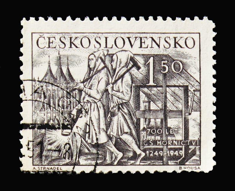Средневековые горнорабочие, день serie горнорабочих, около 1949 стоковые фото