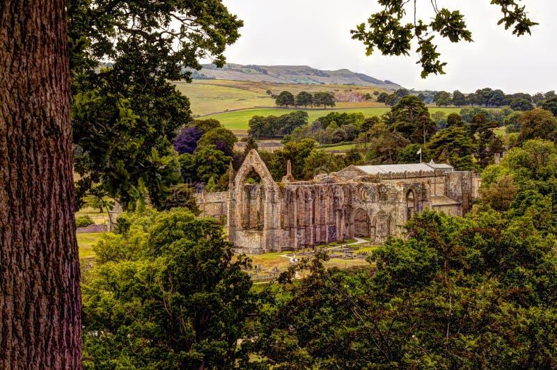 Средневековые руины аббатства Bolton, Великобритании стоковое фото rf